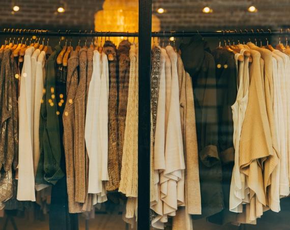Vijf 90's-kledingstukken die we nog steeds dragen